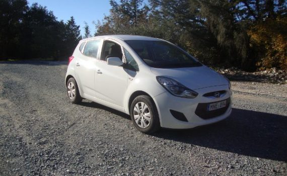 Car for sale in Paphos Cyprus : White Hyundai ix20