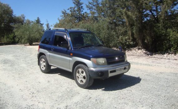 Car for sale in Paphos Cyprus : Blue Mitsubishi Pinin