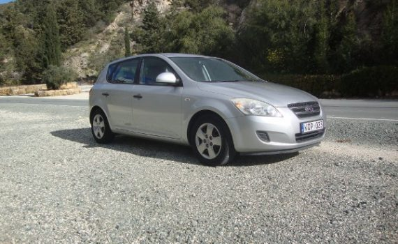 Car for sale in Paphos Cyprus : Silver Kia Ceed