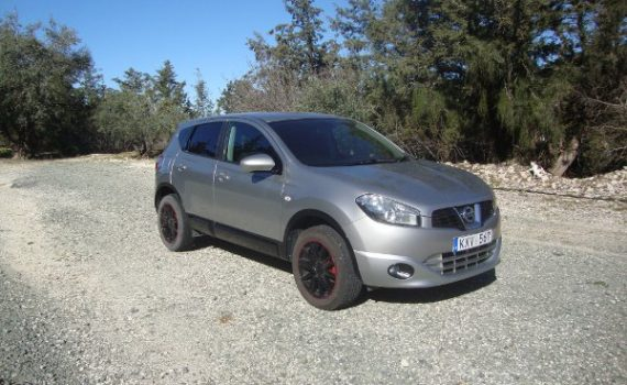 Car for sale in Paphos Cyprus : Silver Nissan Qashqai