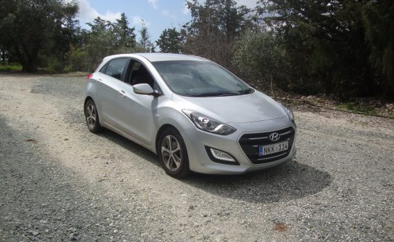 Car for sale in Paphos Cyprus : Silver Hyundai i30